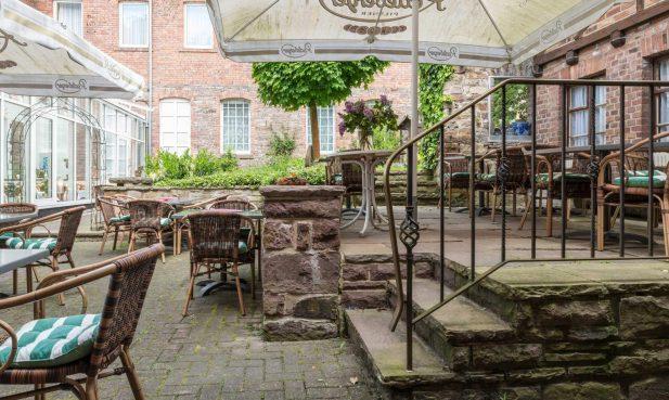 Restaurant Hessischer Hof Bad Karlshafen - Biergarten